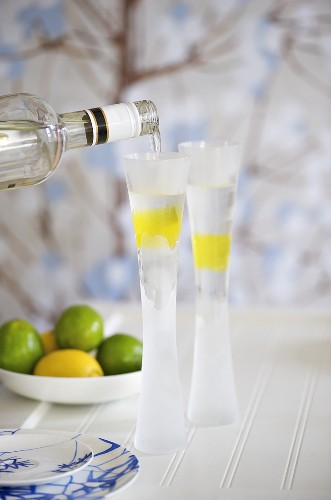 Vodka Lemon Burst (Vodka with lemon jelly)