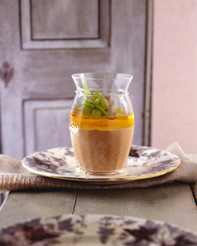 Chocolate and hazelnut mousse with wine jelly