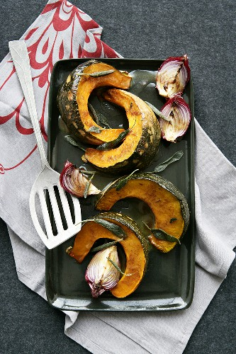 Baked pumpkin with sage and onions