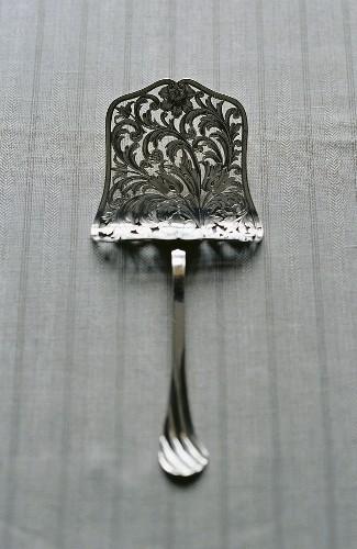 Silver asparagus server