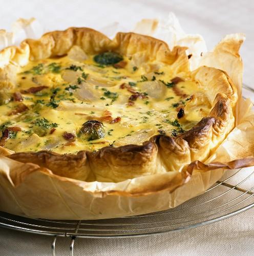 Scorzonera and cauliflower in puff pastry tart