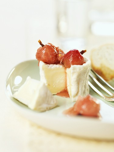 Gooseberry chutney with goat's cheese
