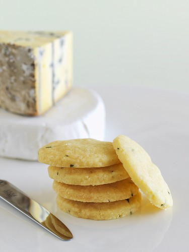 Parmesan and rosemary biscuits and blue cheese
