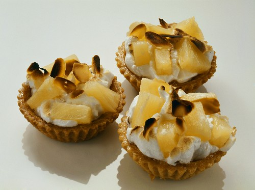 Tartlets with almond meringue & pineapple