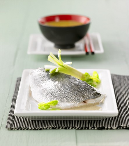 Fillet of gilthead bream with Thai green curry sauce
