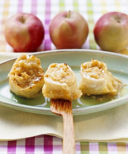 Süsse Apfelschnecken aus der Pfanne