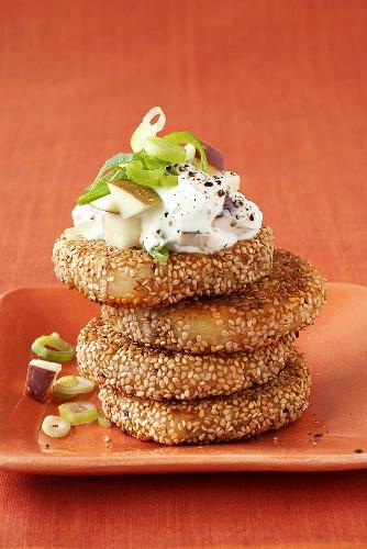 Potato cakes in sesame crust with apple quark