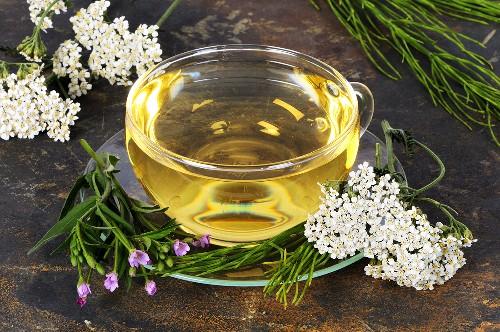Herbal tea to combat acne (yarrow, willow herb & horsetail)