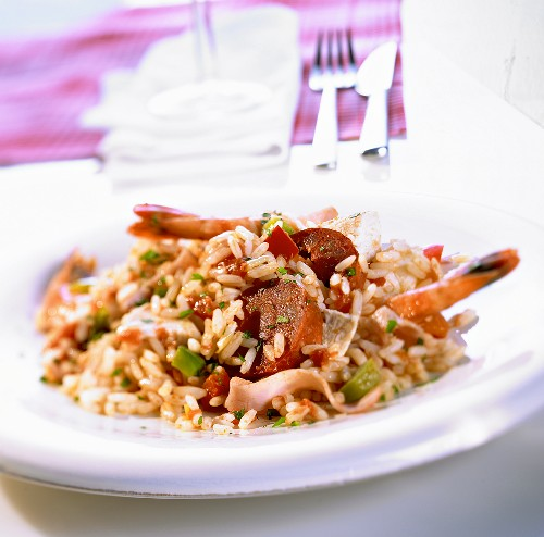 Jambalaya (Creole rice dish with prawns and sausage)
