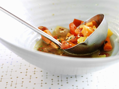 Vegetable soup with thyme and couscous