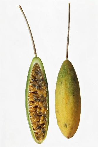 Curuba (Banana passion fruit)