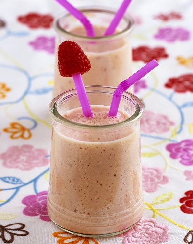 Fruity yoghurt drink