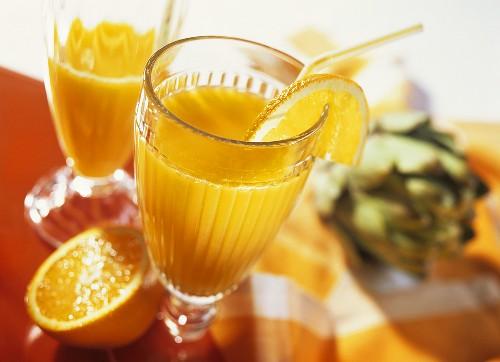 Orange and artichoke drink