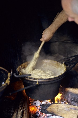 Cooking polenta on an open fire