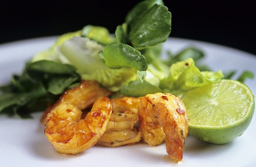 Grilled chilli prawns with lime and salad