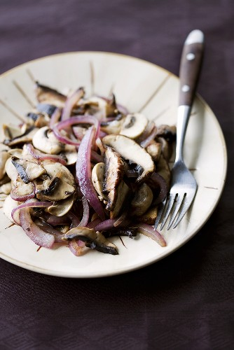 Pan-fried mushrooms and onions