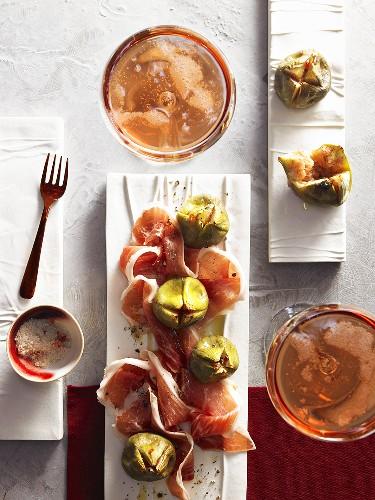 Jabugo ham with fresh figs and rose wine