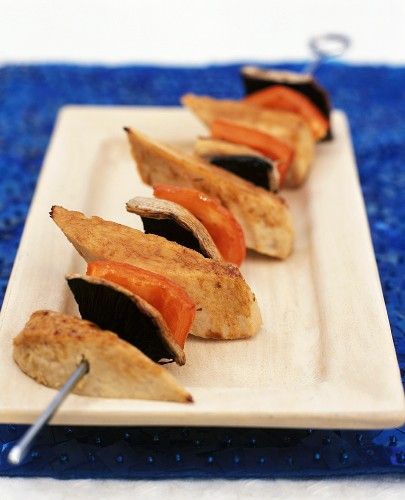 Quorn skewers (meat substitute) with peppers and mushrooms