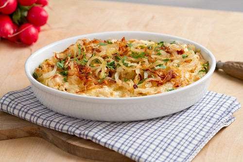 Cheese spätzle with sauteed onion rings