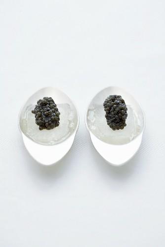 Frozen Gin fizz with caviar