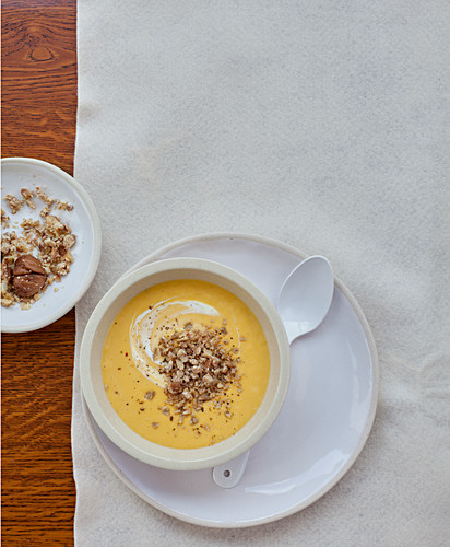 Cream of corn soup with crushed chestnuts