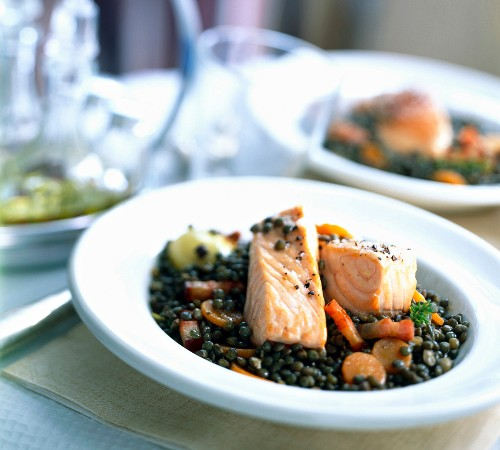 Roast salmon with green lentils
