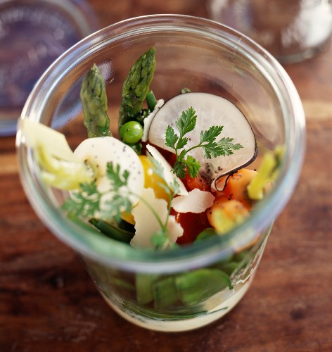 Crunchy vegetable summer salad