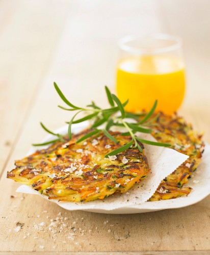 Potato,courgette,carrot and parmesan Rösti