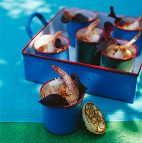 Grilled prawns in cups