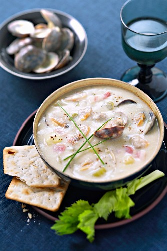 Clam chowder (mussel soup, USA)