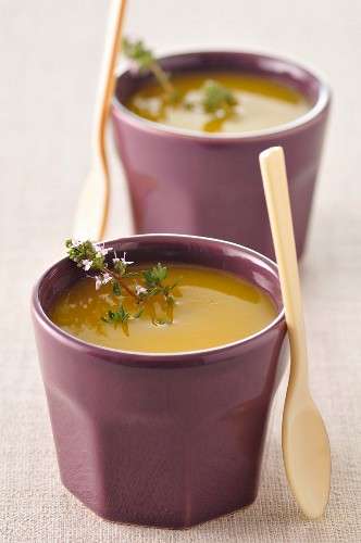 Cream of apricot with thyme