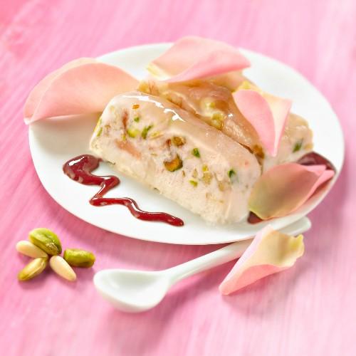 Ice cream nougat with rose petals