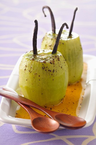 Roasted kiwis with vanilla and ginger syrup