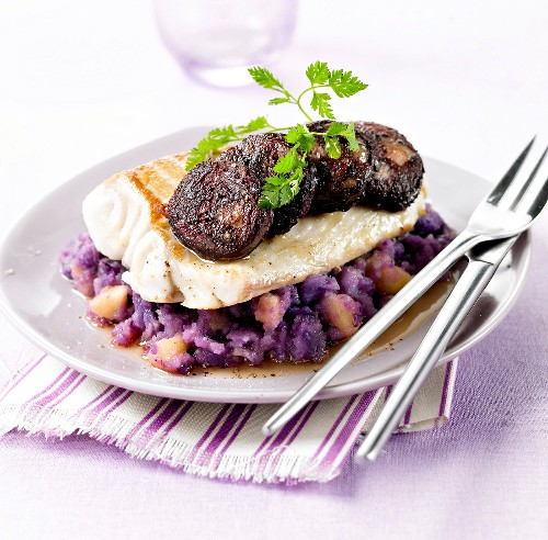 Pike-paerch fillet with blood sausage,purlple potato mash with diced apples