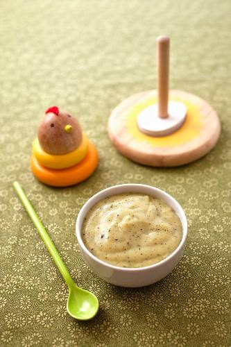 Baby's zucchini-potato puree