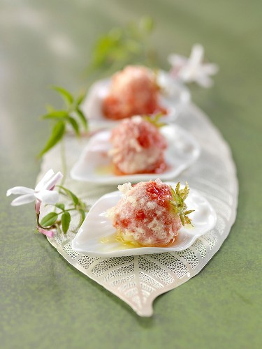 Strawberry tempuras with jasmin oil