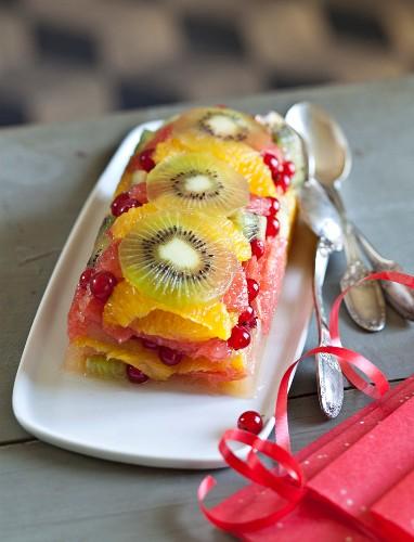 Tutti frutti log cake