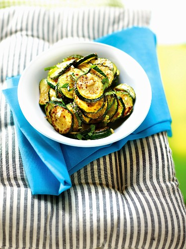 Mediterranean-style courgettes
