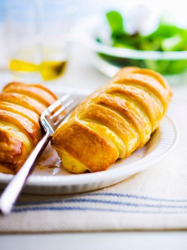 Emmental pastry rolls