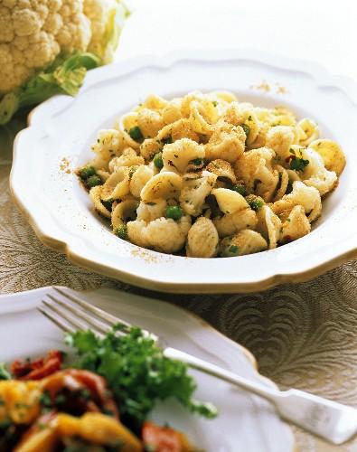 Orecchiette al cavolfiore (Orecchiette with cauliflower and peas)