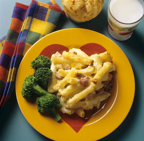 Kids Meal; Baked Macaroni and Cheese with Ham; Broccoli; Milk