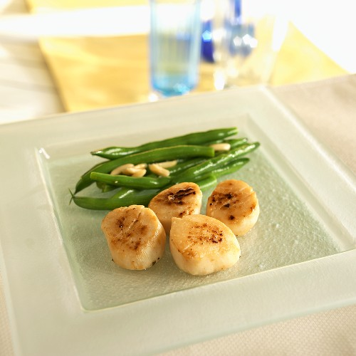 Seared Scallops with Green Bean Amandine