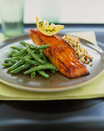 Salmon Fillet with Green Beans and Rice