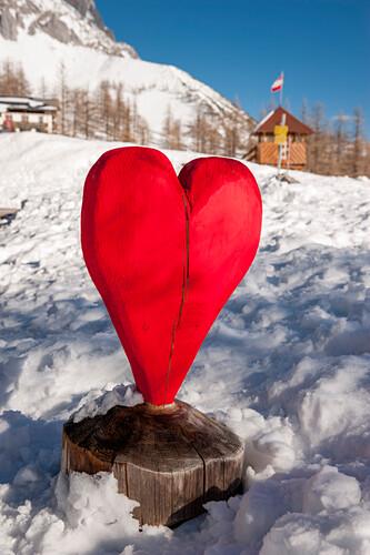 Herz, rot, Holzherz, Winter, Schnee, Dachstein, Schladming, Skigebiet, Österreich, Europa