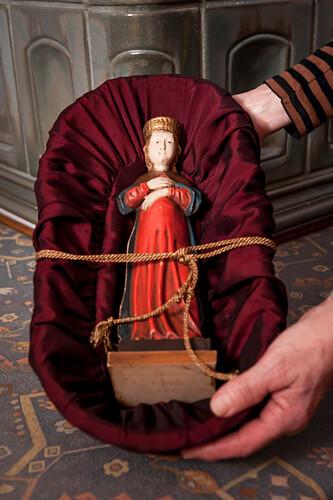 Marienfigur, Frauentragen, katholisches Brauchtum, Weihnachtszeit, christliches Brauchtum, Geisenfeld, Bayern, Deutschland, Europa