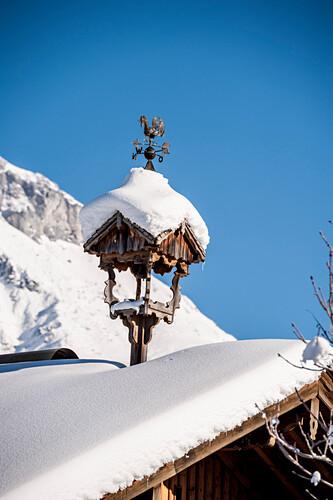 verschneites Dach, Schnee, Winter, Skigebiet, Werfenweng, Österreich, Alpen, Europa