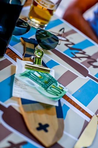 Die Rechnung in 'Micky's Restaurant' in  Monterosso al Mare, Cinque Terre, Ligurien, Italien, Europain Monterosso al Mare, Cinque Terre, Ligurien, Italien, Europa
