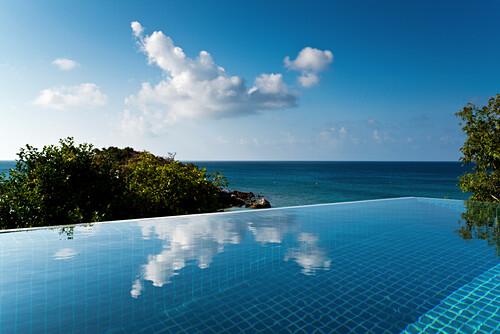 Blick vom Pavillion im Lizard Island Resort über Pool aufs Meer, Lizard Island, Queensland, Australien