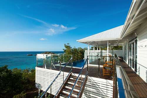 Die exklusive Villa im Lizard Island Resort liegt hoch über dem Meer, Lizard Island, Queensland, Australien