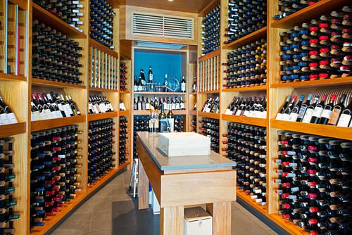 Das Luxusresort Qualia hat einen gut gefüllten Weinkeller, Hamilton Island, Queensland, Australien